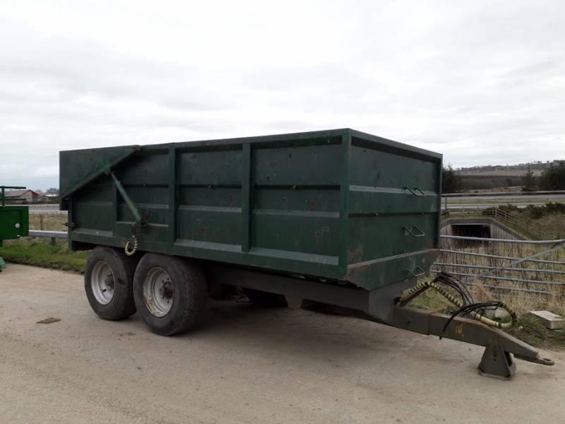 11 Tonne Fraser c/w hydraulic door (712)