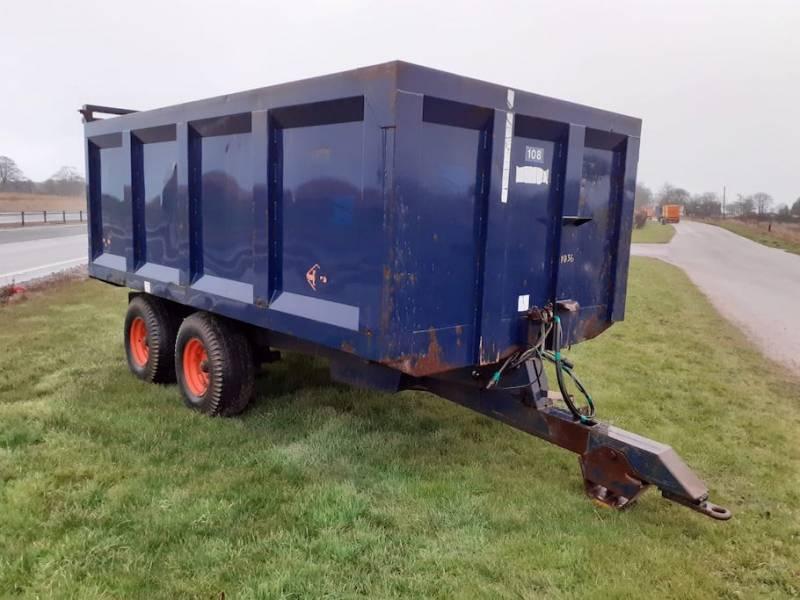 Ken Wootton 8 tonne trailer (829)