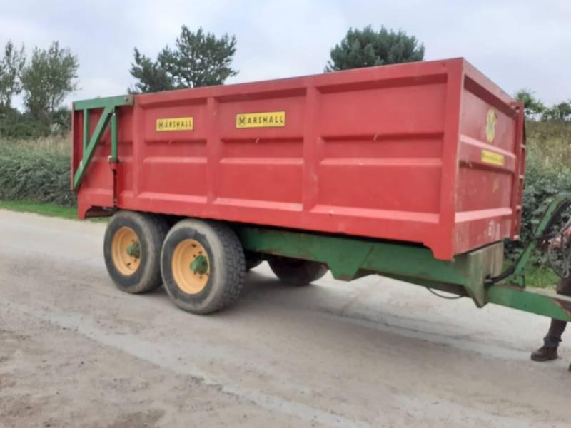 QM11 trailer (933)
