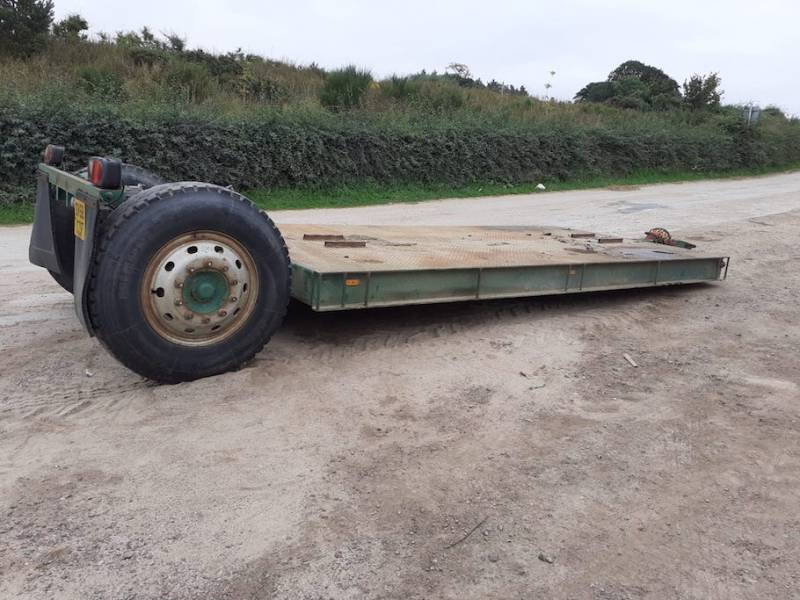 Low loader with air and oil brakes (936)