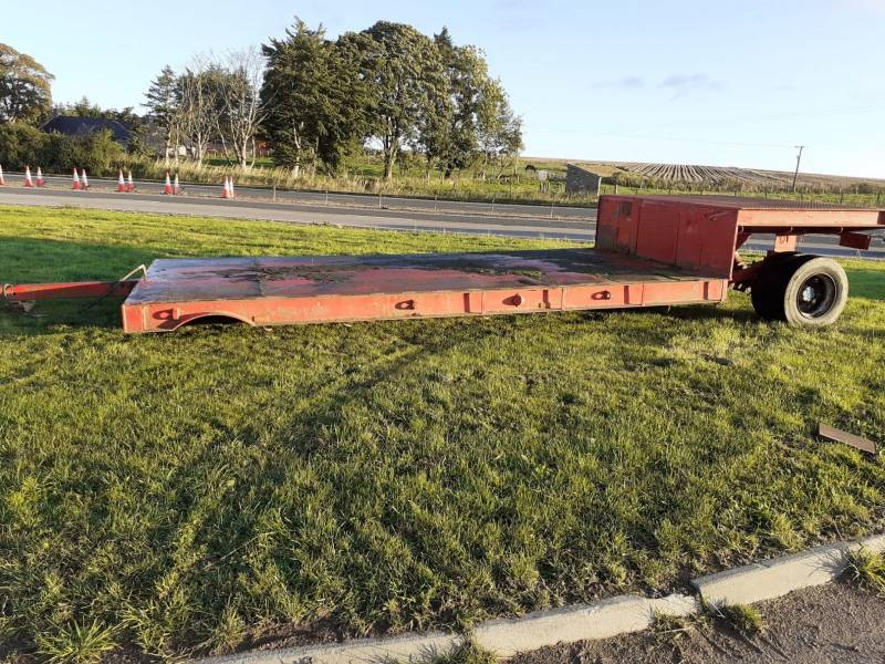 Low Loader with hydraulic lift (950)